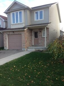 GREAT Single Family Waterloo Home with fenced yrd--near RIM Park