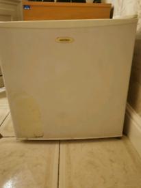 Matsui mini fridge