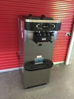 2012 taylor 723-33 ice cream machine ( like new )