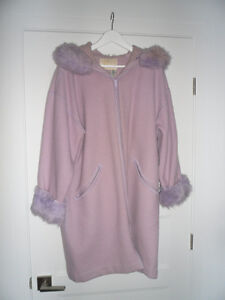 BEAUTIFUL LINDA LUNDSTROM LAPARKA WOOL COAT FOR SALE West Island Greater Montréal image 3
