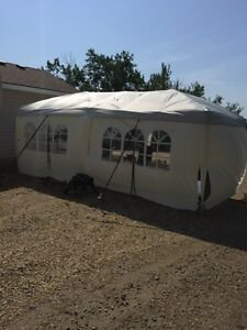 10' x 20' easy set up party tent