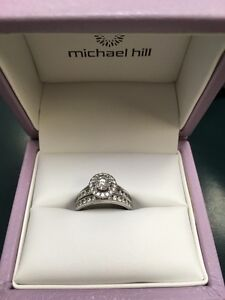 Gorgeous Engagement and Wedding Ring Set - Like Brand New