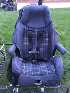 car seats eddie bauer stroller carrier carseat deals locally in ontario kijiji classifieds. Black Bedroom Furniture Sets. Home Design Ideas