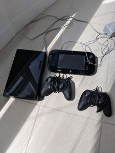 Wii U 32GB + 2 Controllers