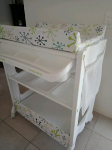 baby change table/bath stand on wheels with storage