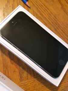 Gray iPhone 5S 16GB Cambridge Kitchener Area image 1