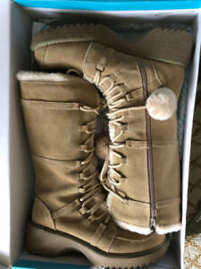 Women winter boots brand new