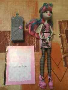 Monster High Rochelle Goyle Scaris Christmas