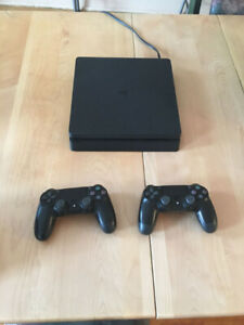 PS4 SLIM 1TO = 1000GB 300 $
