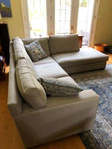 Sectional sofa in excellent condition