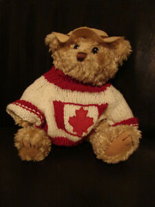 """Brass Button Bear Legendary Collection """"Clay"""" THE CANADA BEAR Belleville Belleville Area image 1"""