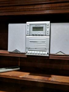 Bookshelf radio