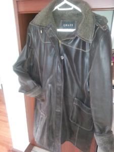 Manteau pour femme en cuire brossé brun