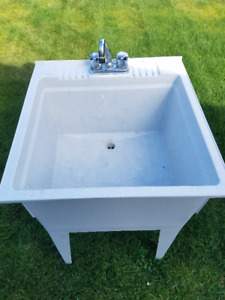 Free Standing Laundry Utility SInk