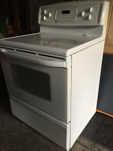 Stove for sale!! Burners work but oven needs new element!!