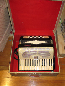 G.Cavalli Accordion Made In Italy Comes With Case