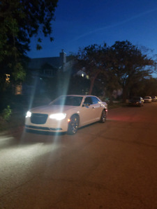 2016 CHRYSLER  300C FULLY LOADED LOW MMS **MUST SEE**