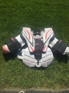 Vaughn Vision 2200 chest protector Cambridge Kitchener Area image 1