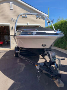 Crownline | Buy or Sell Used and New Power Boats & Motor