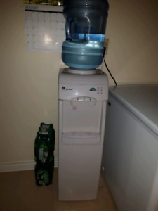 GE SmartWater hot/cold water dispenser