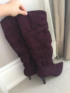SUEDE UNDER KNEE BOOTS IN WINE COLOUR SIZE 10