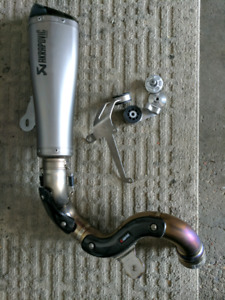 FOR SALE AKRAPOVIC FOR 2014 TO 2017 BMW R NINE T
