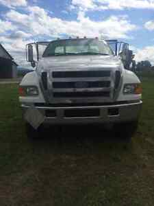 2007 5 Tonne Ford F-750 *Best Offer*