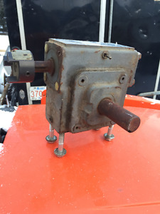 Greared reducer, babit melting unit and pump