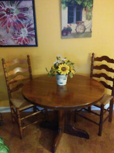 Argyle Pine Dining Room Set