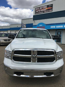 2015 Dodge Ram 1500 SLT CREW Cab/ POWER SEATS/CAMERA/ PST PAID**