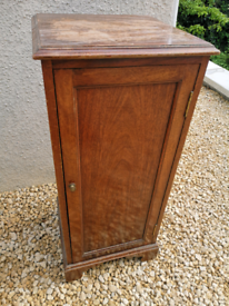 Small Cabinet - Potential Up cycle!