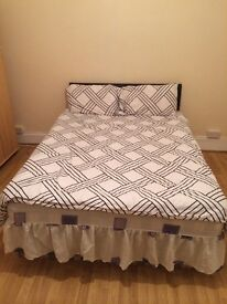 DOUBLE ROOM TO LET small deposit