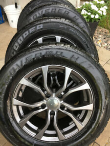 4 Cooper Discoverer Winters with rims 265 60 18 Jeep G.Cherokee