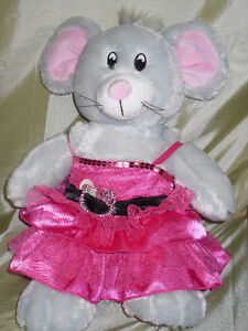 Pretty MOUSE in a Pink Dress Windsor Region Ontario image 1