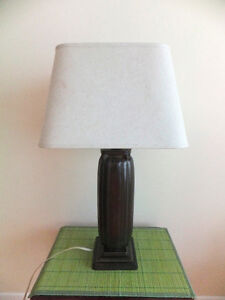 Classical-style Bronze Table Lamp