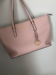 MICHEAL KORS Jet Set Saffiano leather bag in soft pink