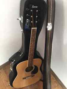 Baron acoustic guitar with hard case - new condition