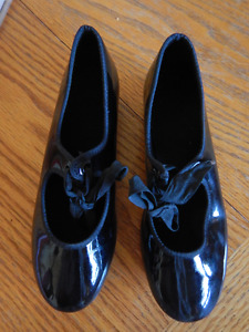 Girls Tap Shoes, Size 13.5