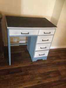 Country Glamour Furniture- Desk For Sale with chalk paint top! Kawartha Lakes Peterborough Area image 4