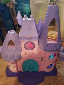 Little Peoples Disney Princess Castle and figurines