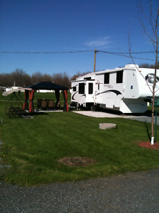 Fifth wheel crossroad paradise pointe 35 CK