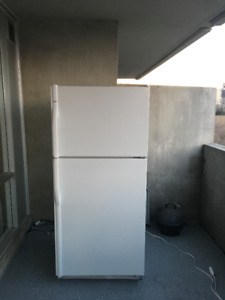 REFRIGERATOR FOR SALE///GOOD CONDITION///