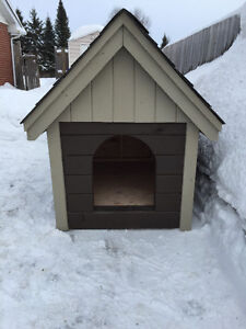 New LARGE WOODEN DOG HOUSE