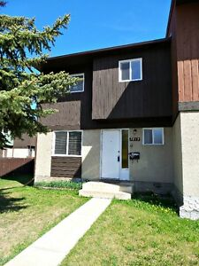 CEDARWOOD TOWNHOUSE CONDO