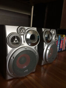 Speakers + CD Player