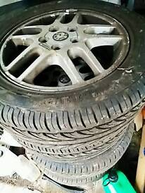 Almost new tyres with alloys from Vauxhall vectra 215/55/16