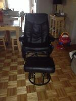 Chaise bercante et pivotante en cuir