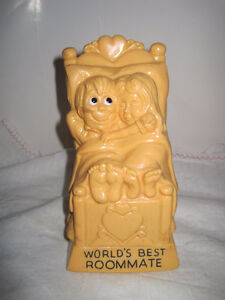 World's Best Roommate Figurine Statue 1971 Wallace & Russ Berrie