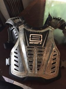 Shift chest protector adult one size Prince George British Columbia image 1