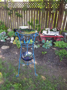 2 Tiered Garden Stand / Bird Bath with Glass Bowls